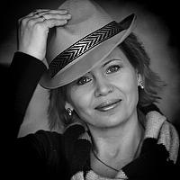 Portrait of a photographer (avatar) P Laura