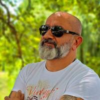 Portrait of a photographer (avatar) Adamov Eddie (Едвин Адамов)