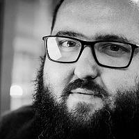 Portrait of a photographer (avatar) Peter Iliev