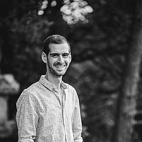 Portrait of a photographer (avatar) R J