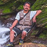 Portrait of a photographer (avatar) Luis Lyons